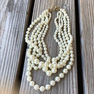 J Crew Classic Faux Pearl Tiered Necklace!